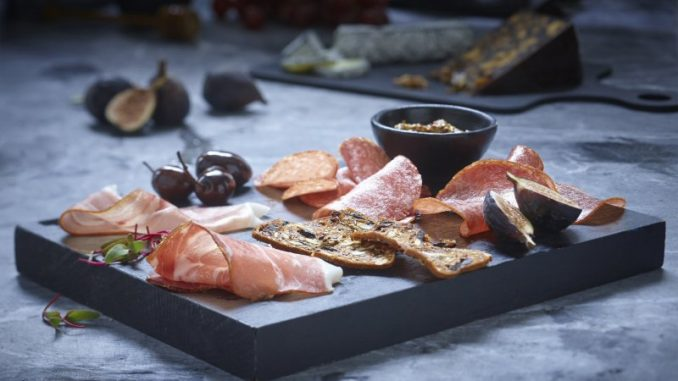 5 pairing tips for a perfect charcuterie platter   RecipesNow!