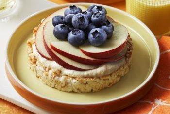 Blueberry-Topped Rice Cakes