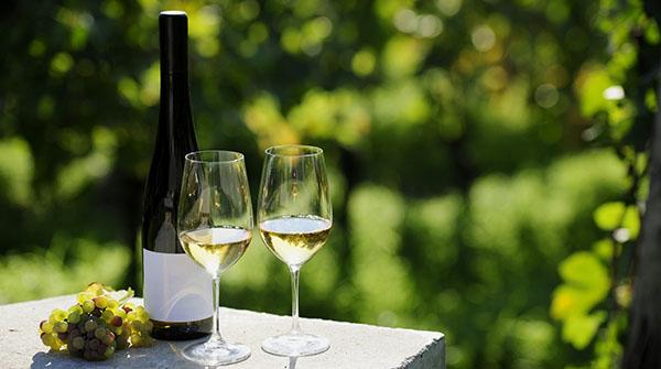 'Wine down' in Ontario's wine country | RecipesNow!