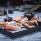 5 pairing tips for a perfect charcuterie platter